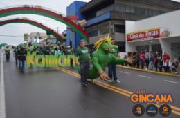 Kaimana abre desfile com a Guerra de Tróia