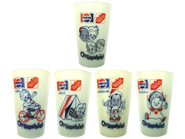 Copos colecionáveis da Pepsi contém a imagem de Didi, Dedé, Mussum e Zacarias