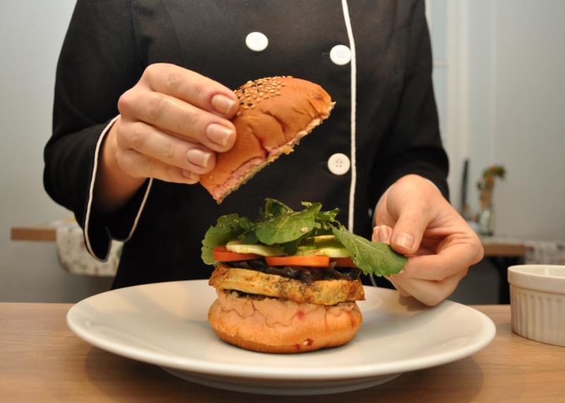 Refeições vegetarianas e veganas ganham mais espaço