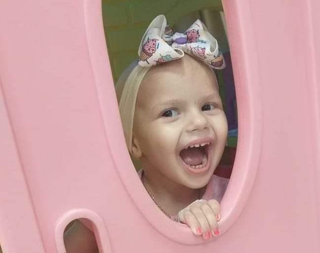 Família de menina venâncio-airense com leucemia busca ajuda para tratamento