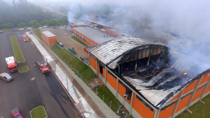 Imagens aéreas dão o panorama da destruição