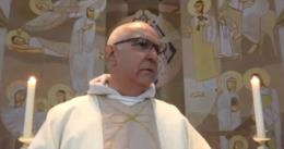 VÍDEO: Igreja é assaltada durante transmissão online de missa
