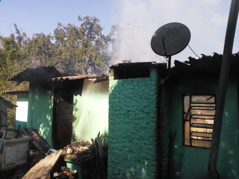 Casa é destruída pelo fogo em Venâncio Aires