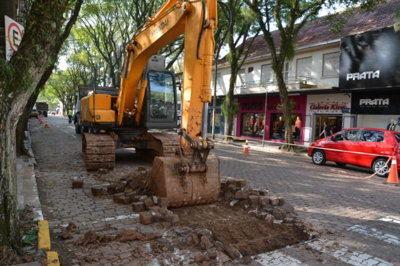Intervenções para obras do Calçadão bloqueiam outro trecho da Marechal Floriano