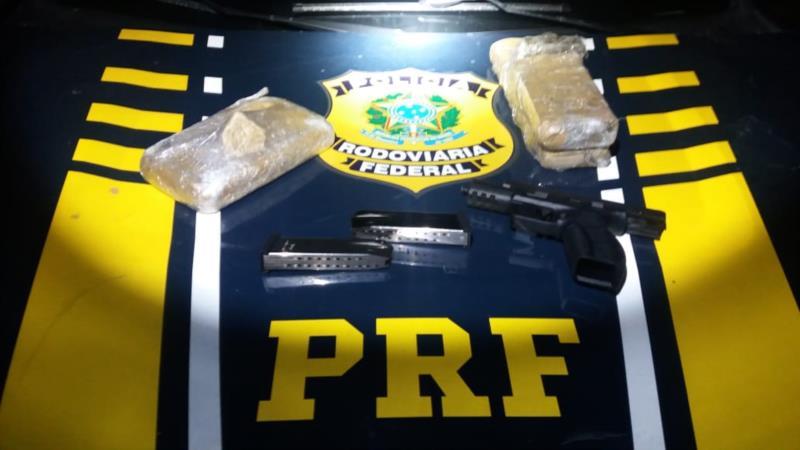 PRF prende criminosos com arma e drogas na BR-290