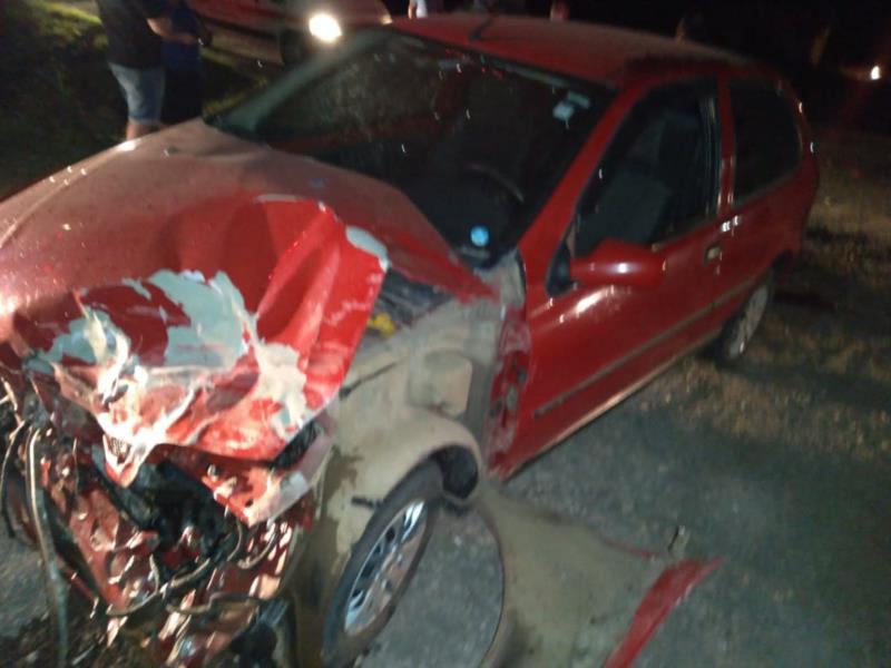 Colisão entre carro e caminhão deixa homem ferido na RSC-287