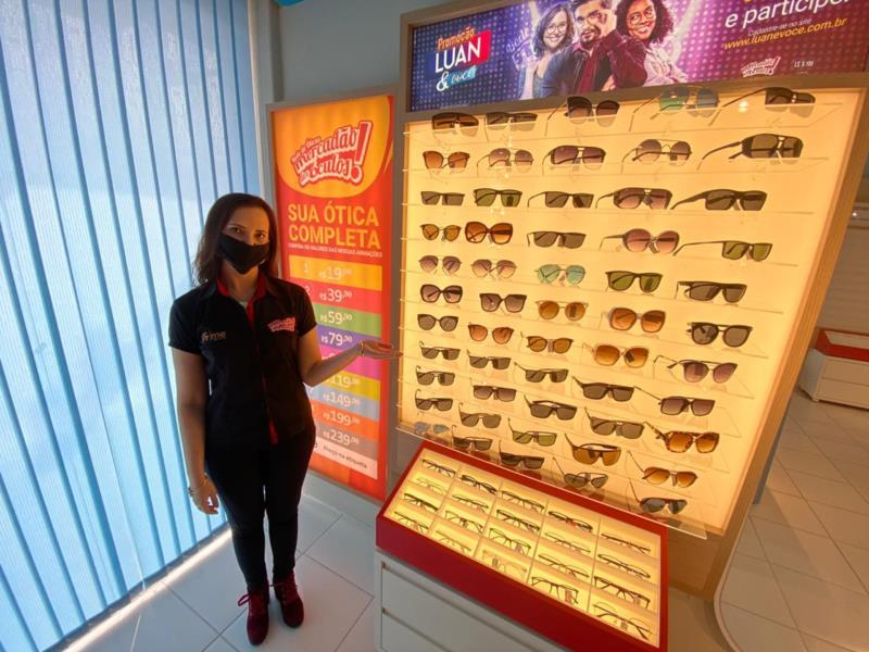 Camila Abbade Ohlveiler, proprietária do Mercadão dos Óculos