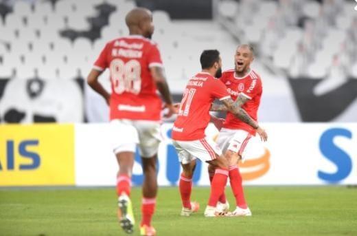 Internacional vence o Botafogo no Rio de Janeiro