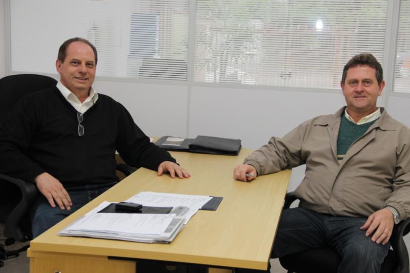 Sócios Clóvis e Wilson decidiram empreender após mais de 10 anos de experiência no ramo imobiliário