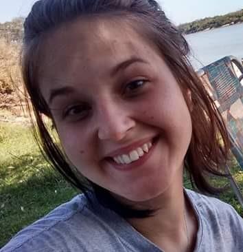 Indyara Beatriz do Nascimento, 20 anos, faleceu após colisão entre carro e moto registrada na Avenida Léo Kraether