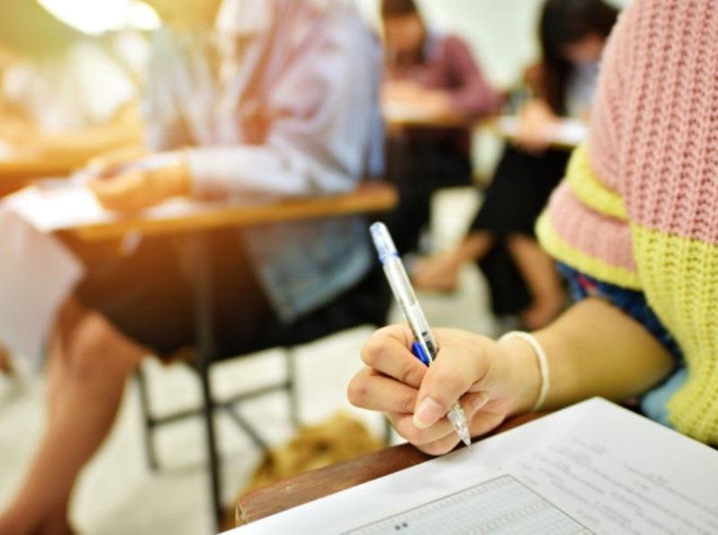 Governo do RS libera retomada de aulas presenciais a partir de terça-feira