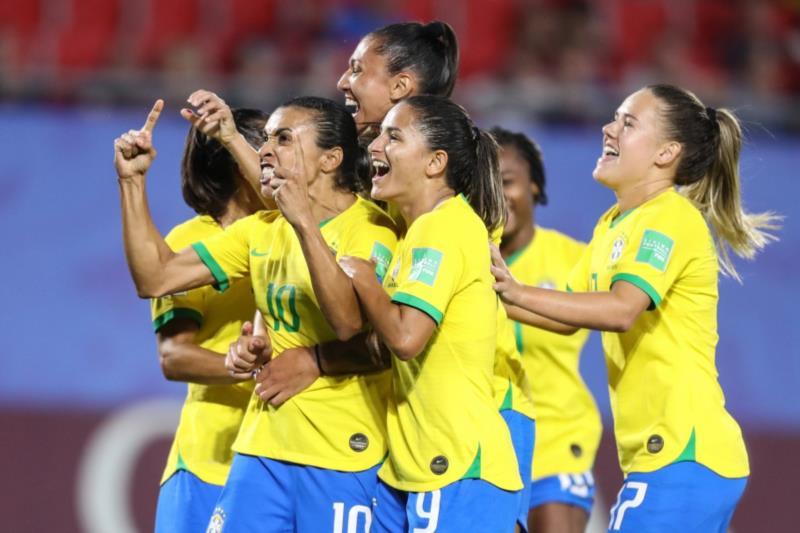 CBF pagará o mesmo valor para homens e mulheres convocados à seleção brasileira
