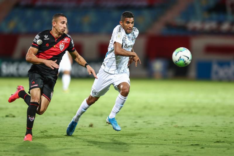 Isaque marcou o gol do Grêmio no jogo