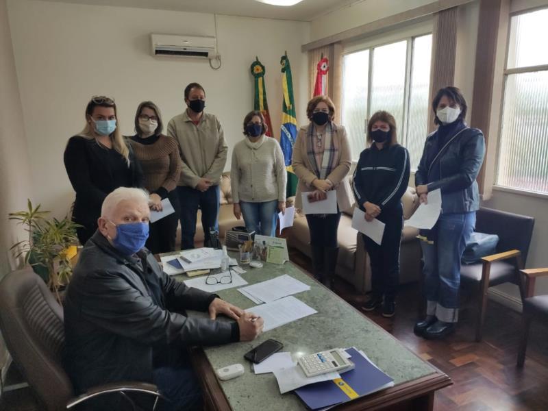 Decreto foi assinado hoje pelo prefeito Guido Hoff