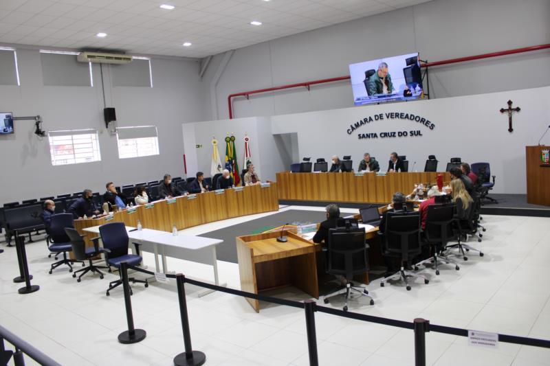 Câmara de Vereadores realizou sessão ordinária na manhã desta terça-feira