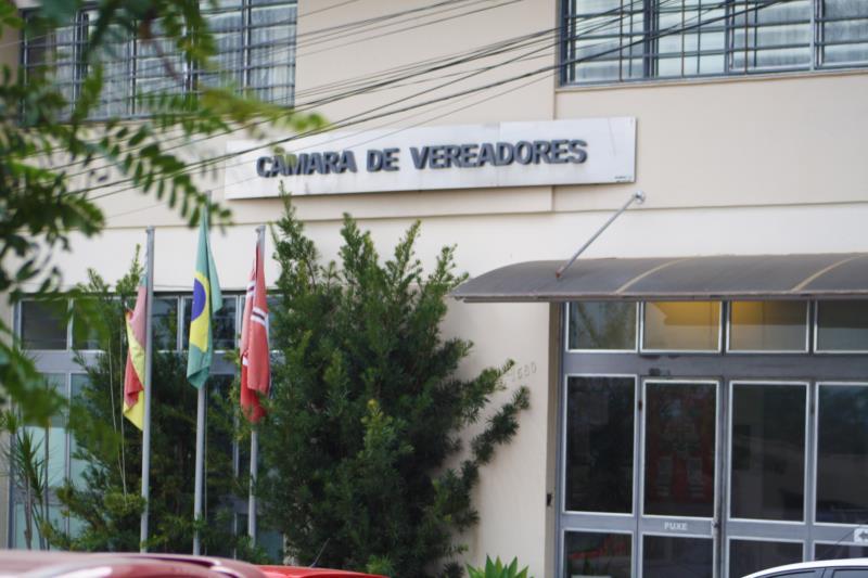"""Testemunhas sobre """"rachadinha"""" na Câmara de Vera Cruz serão ouvidas nos próximos dias"""