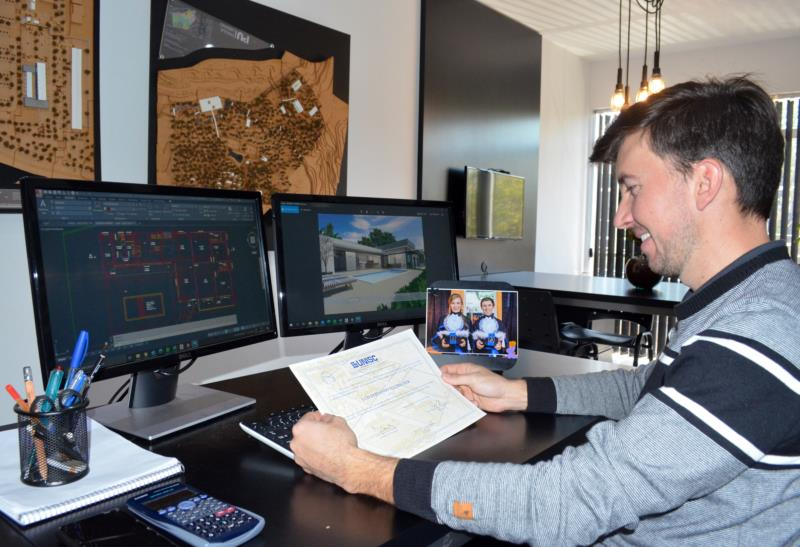 Após estudos gratuitos, Luís atua há quatro anos como arquiteto em Santa Cruz do Sul