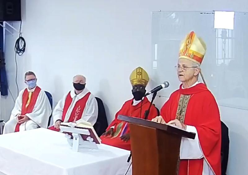 Santa Missa deste domingo foi presidida pelo bispo da Diocese de Santa Cruz, Dom Aloísio Dilli