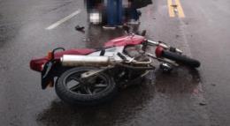 Motociclista fica ferido em acidente no centro de Santa Cruz