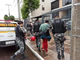 BM prende dois após assalto a posto de combustíveis em Vera Cruz