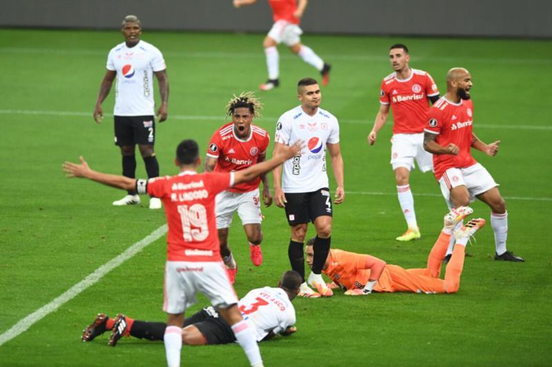 Abel Hernández e Boschilia foram os artilheiros colorados, dois gols para cada