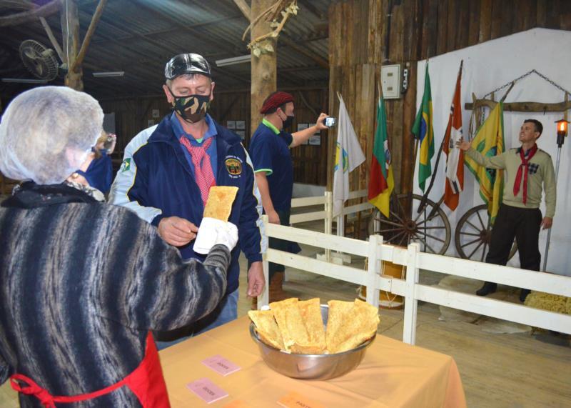 Culinária e tecnologia preservam o culto às tradições gaúchas