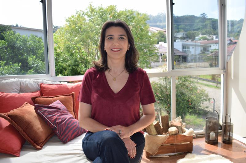 """""""Tenho a força do trabalho em meu sangue e determinação de contribuir com nossa comunidade"""", afirma Jaqueline Marques"""