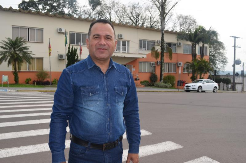 A segunda entrevista da série com os candidatos à majoritária de Vera Cruz traz Eduardo Viana, 44 anos