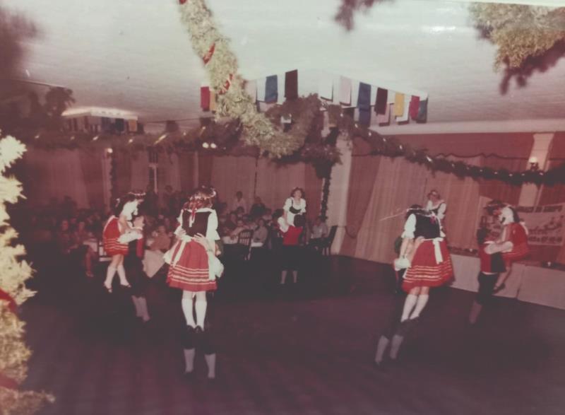 Danças mais tradicionais na época eram no ritmo polca