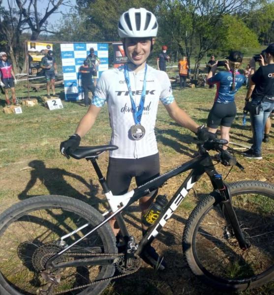Tales Jardel Soares, de 16 anos, conquistou hoje o primeiro lugar na categoria júnior da  Copa Centro RS de Mountain Bike