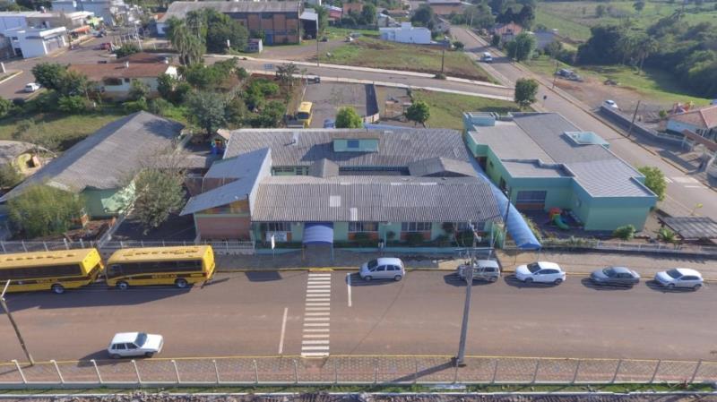 Duas escolas de Mato Leitão retomam aulas nesta terça-feira
