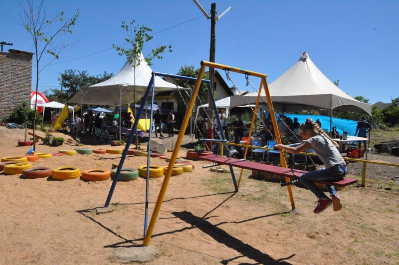 Praça Conventos sediou feira no sábado