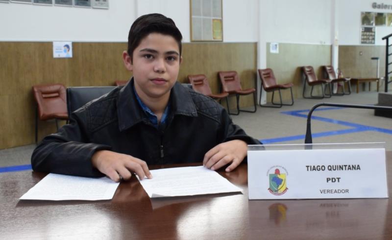 Julio César Brandão, da Escola Frida Reckziegel, de Vila Palanque. Representou o vereador Tiago Quintana.
