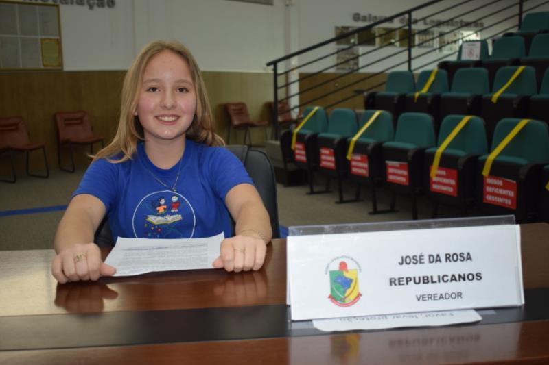 Bruna Glesse, da Escola Alfredo Scherer. Representou o vereador Zé da Rosa