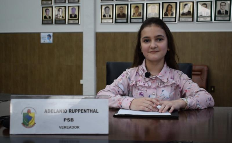 Lunara Lopes de Melo, da Escola Sebastião Jubal Junqueira, de Vila Deodoro. Representou o vereador Adelanio Ruppenthal