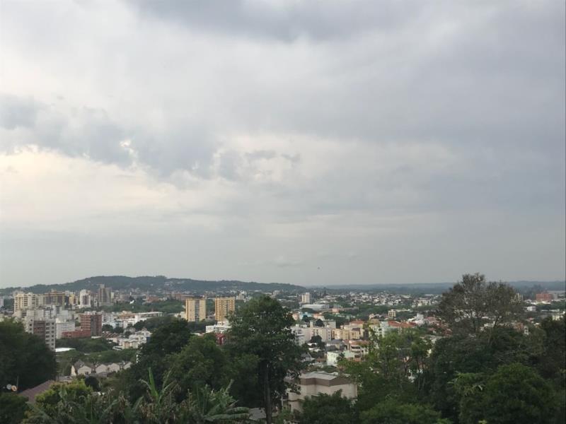 Calor e volta da chuva devem marcar o final de semana em Santa Cruz e região