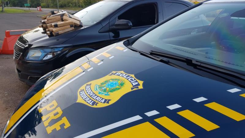 PRF prende dois traficantes com 20 kg de maconha na BR-386