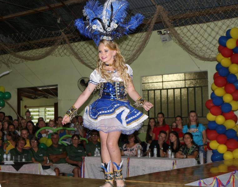 Camile tinha 13 anos e foi princesa do carnaval em 2019