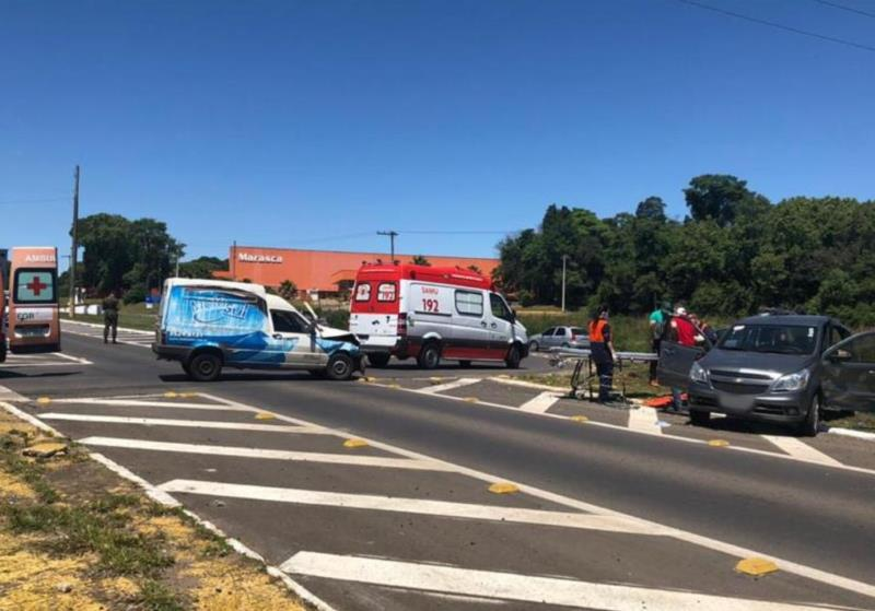 Colisão entre dois carros deixa dois feridos na RSC-287 em Venâncio Aires