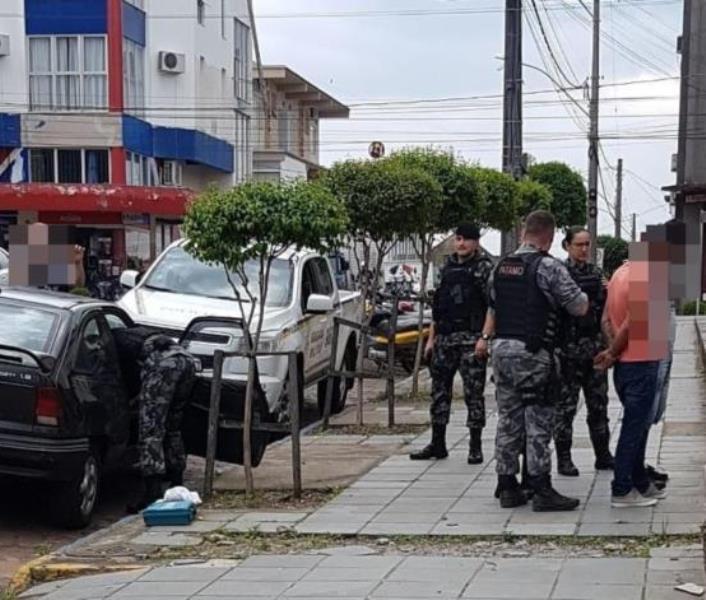 Indivíduos foram presos no início da tarde de terça-feira