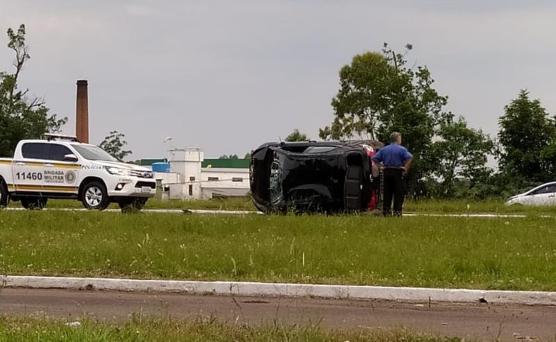 Colisão entre dois veículos ocorreu nas proximidades do trevo de Vila Mariante