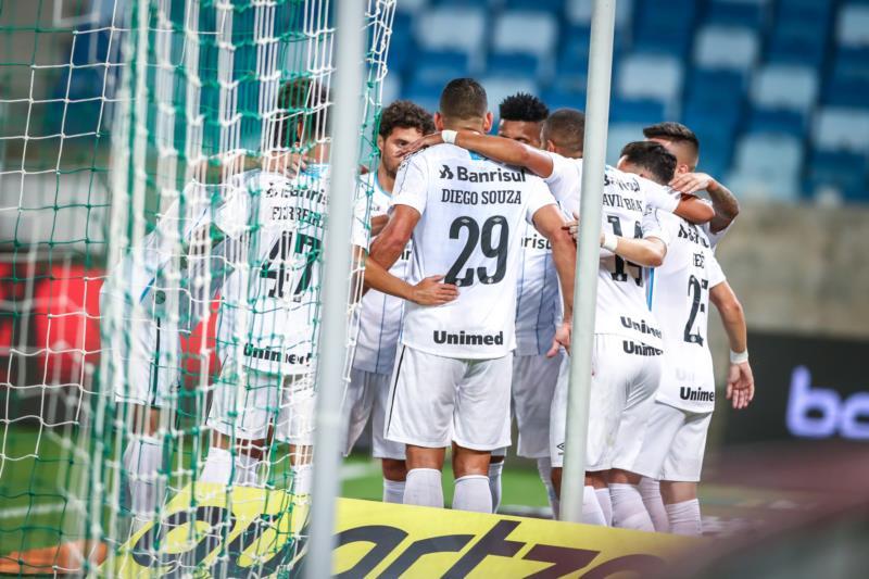 Tricolor construiu placar no primeiro tempo e sofreu com boa atuação do Cuiabá; jogo de volta ocorre na próxima quarta-feira, na Arena, em Porto Alegre