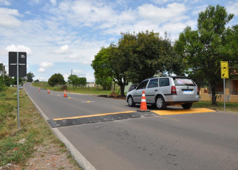 Lombada física busca alertar motoristas para redução de velocidade