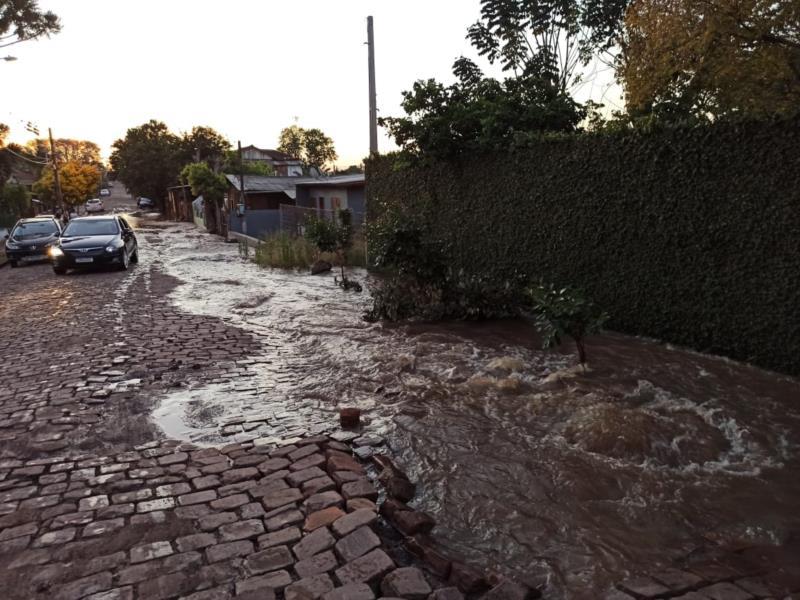Vazamento foi identificado após uma alteração na vazão de água recebida pela ETA