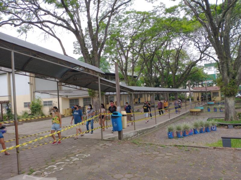 Na Escola Goiás movimentação aumentou por volta das 10h