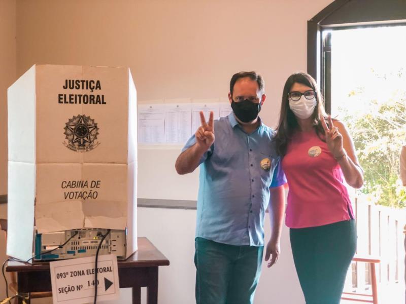 Candidato votou às 10h40min na AABB