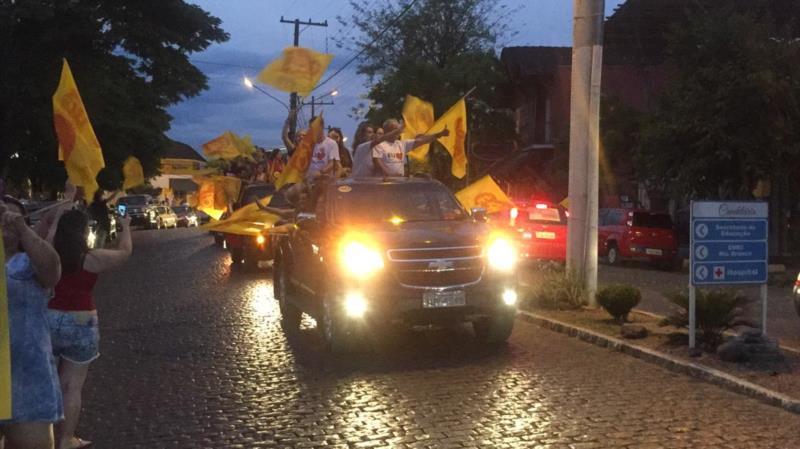Comemoração pelas ruas de Candelária