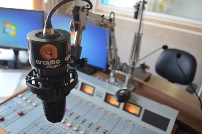 Ao celebrar nove anos de trajetória, Arauto FM estreia novidades para informar e entreter seus milhares de ouvintes