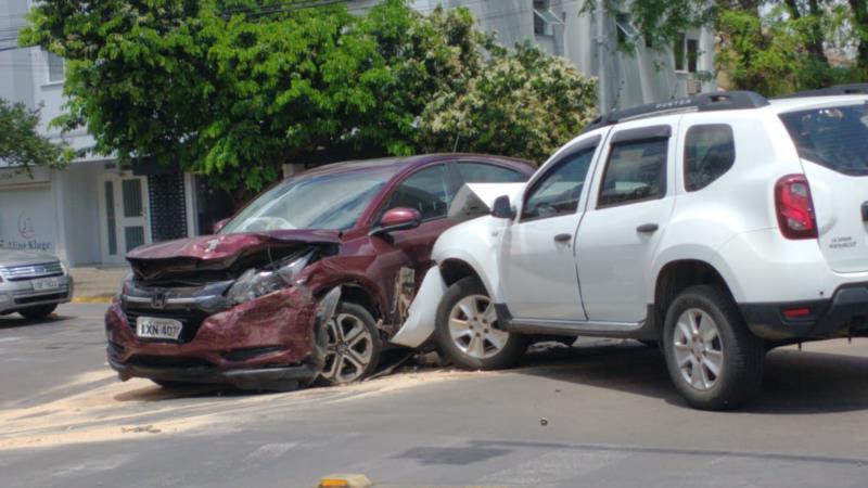 Condutora da Duster ficou ferida