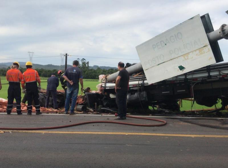 Grave acidente deixa uma pessoa morta na RSC-287